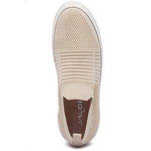 J/Slides Hilo Slip On Sneakers